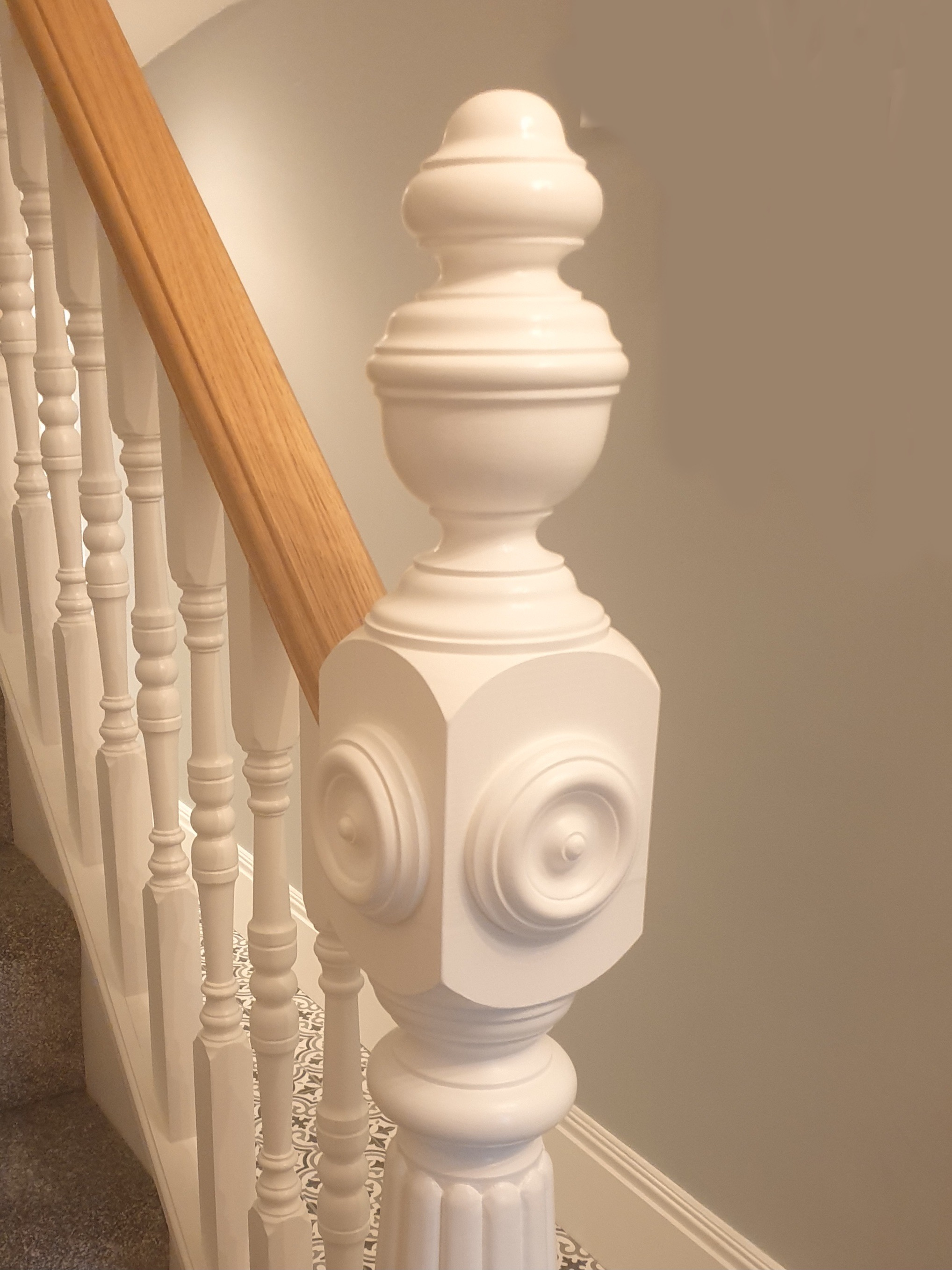 a feature newel